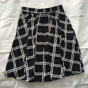 NWT LuLaRoe black white Madison skirt Medium